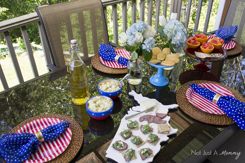 Easy Patriotic Ideas For Summer Entertaining; side view of table