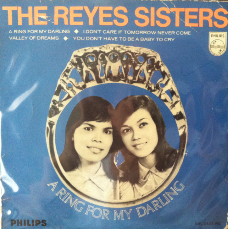 REYES SISTERS WITH ALLAN THOMPSON AT MARINE PARADE 60'S