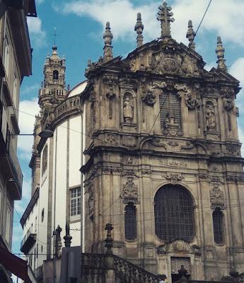 fachada da Igreja dos Clérigos