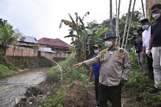 Walikota Jambi Tinjau Bencana Abrasi Sungai Kenali Besar.