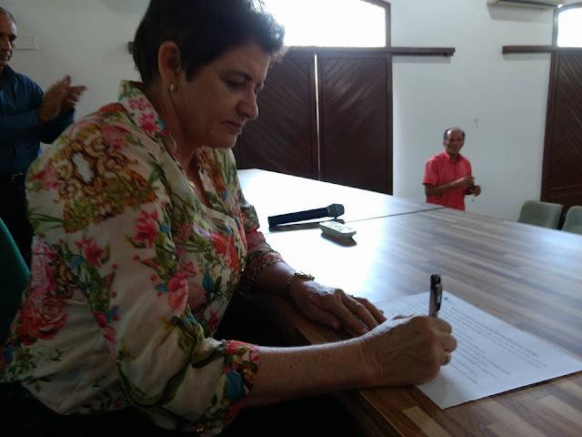 Prefeita Maristela é a primeira prefeita a assinar Termo de Adesão 2017 ao Programa de Regionalização do Turismo