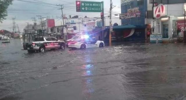 Autos en agua