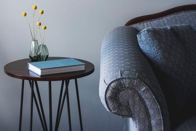sofa and coffee table Photo by Kari Shea on Unsplash
