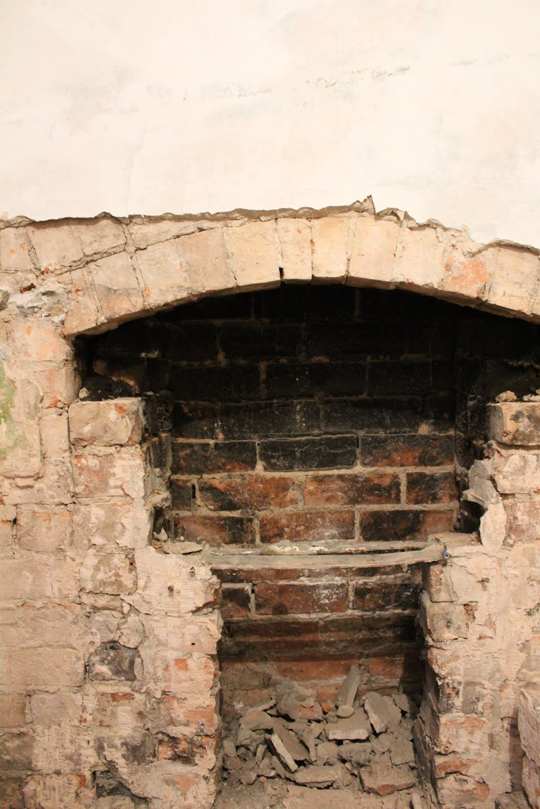 chimney with pipe for lintel