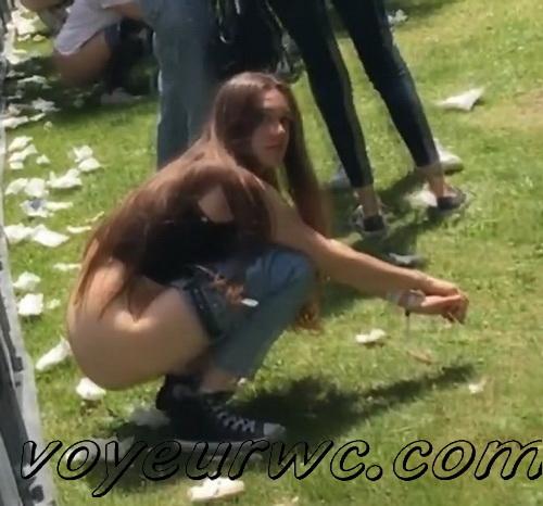 Girls Gotta Go 112 (Voyeur pee videos - Drunk spanish chicks peeing in public at festival)