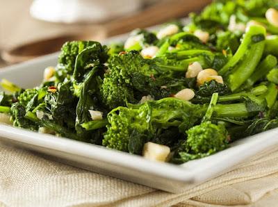 Brócolis Refogado ao Alho e Azeite (vegana)