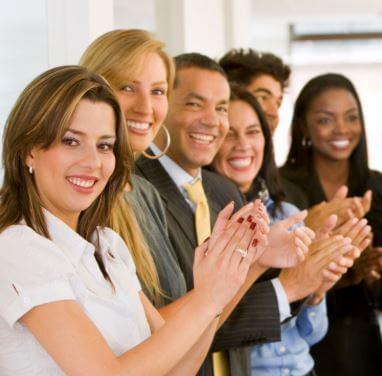 أهم 20 ميزة تُبقي الموظفين سعداء