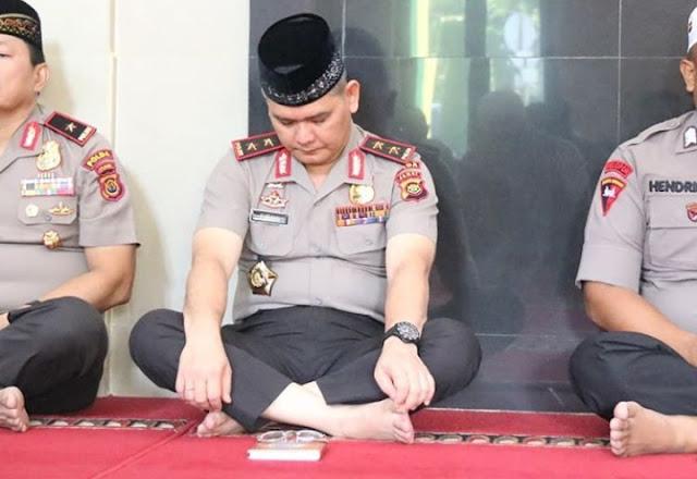 Kegiatan Rutin Pembinaan Rohani Di Masjid Al-Ihklas Turut Dihadiri Oleh Kapolda Jambi
