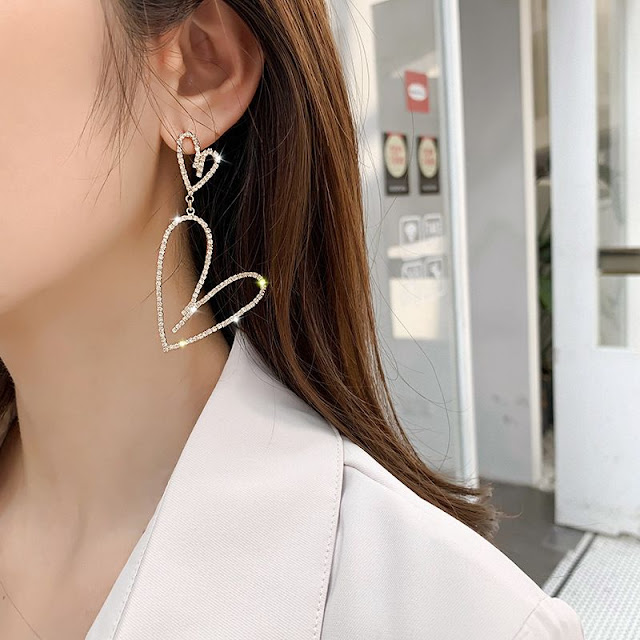 orecchini estate 2020 dazzle luna tendenza orecchini estate 2020 mariafelicia magno fashion blogger colorblock by felym fashion blogger italiane blog di moda blogger italiane di moda fashion bloggers italy summer earrings