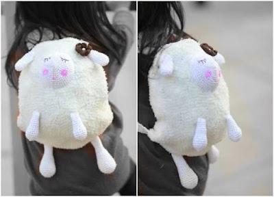 Mochila oveja tejida con patrón