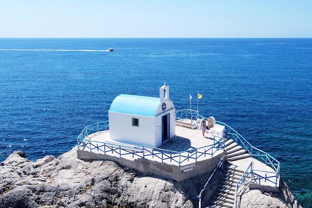 Faliraki, zaliv na otoku Rodos, Grčija