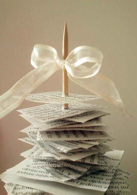 Božićno drvce - vezanje mašne