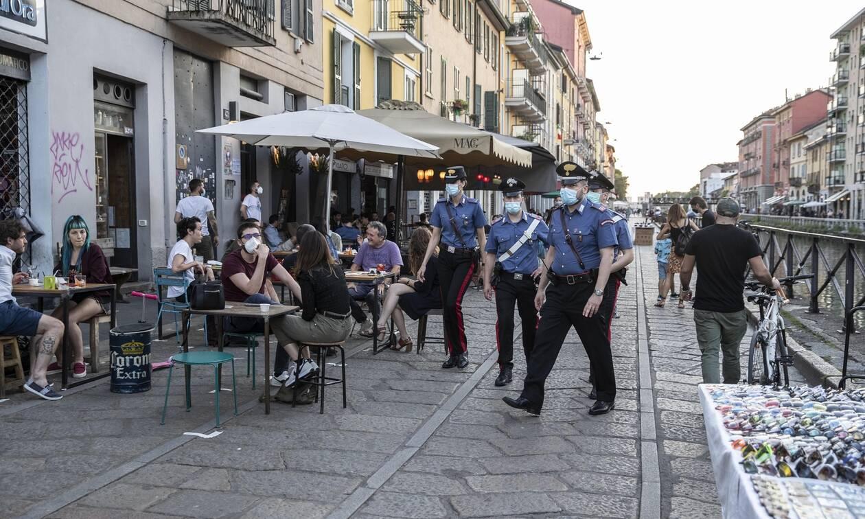 Κορονοϊός – Ιταλία: Η κυβέρνηση απαγορεύει τον χορό σε κλαμπ, ξενοδοχεία και παραλίες