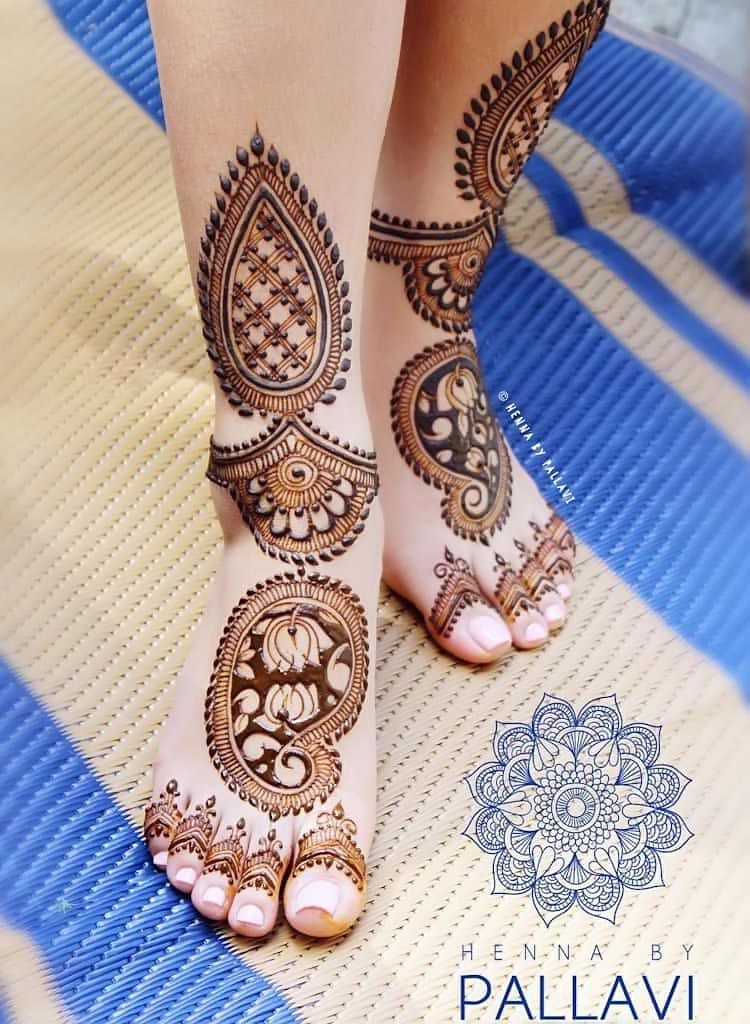 Feet-Mehndi-designs-for-Bridal