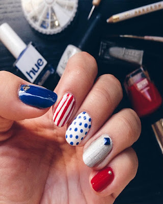 simple nails desings day independence