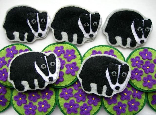 felt badger brooch tutorial