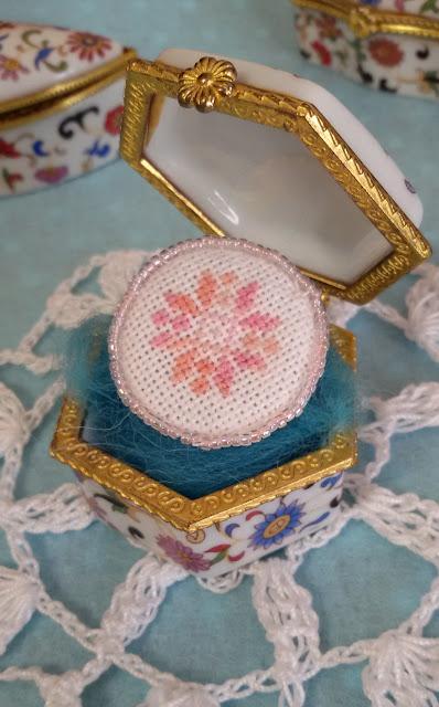 украшение своими руками, орнамент, вышивка