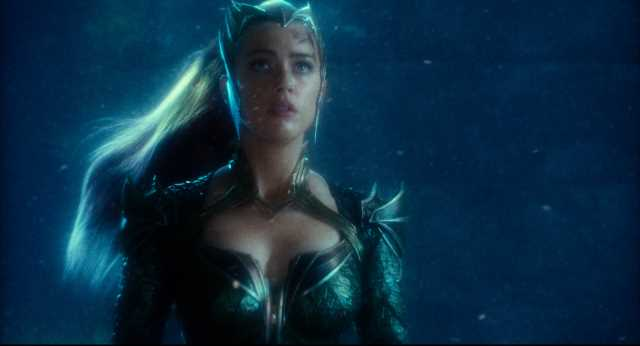 Justice League : New image Shows A Closer Look At Amber Heard as Mera.