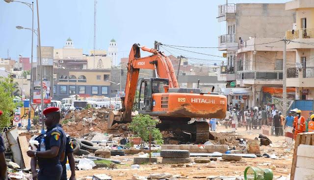BRT, les bus qui soulagent la banlieue  Sénégalaise : Projets, plan, développement, économie, énergie, PSE, transport, urbain, travaux, Bus, Rapide, Transit, BRT, Cetud, LEUKSENEGAL, Dakar,  Sénégal, Afrique