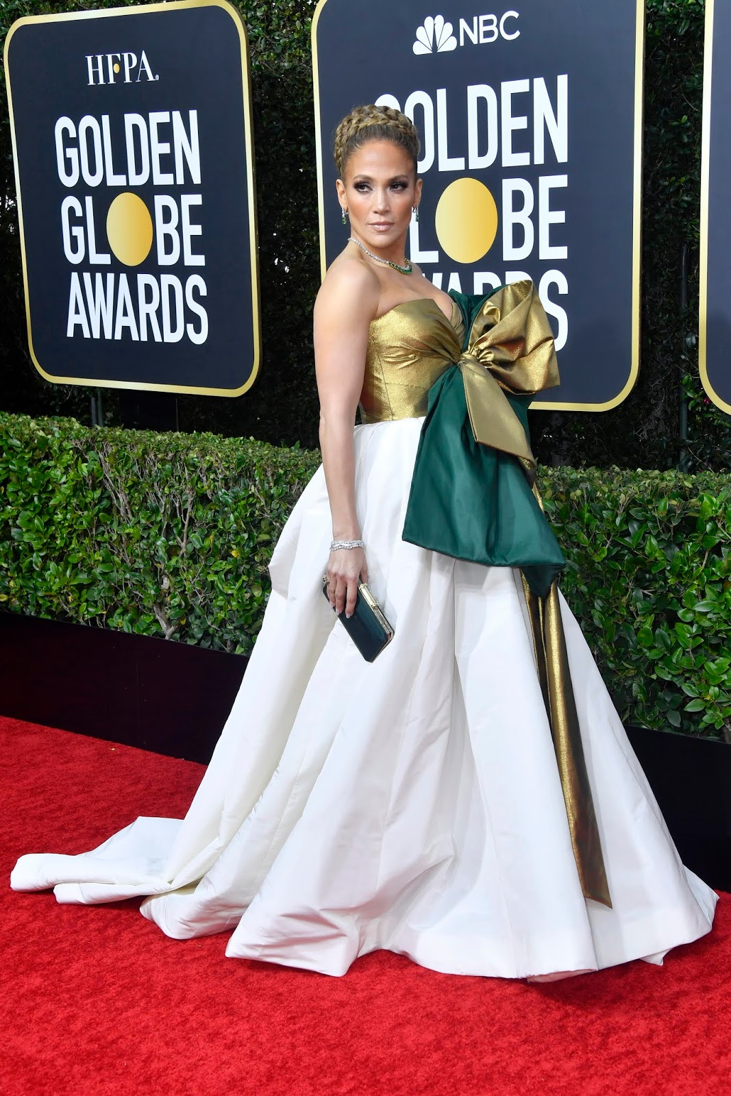 Jennifer Lopez Looks Like A Giant Christmas Present At Golden Globes