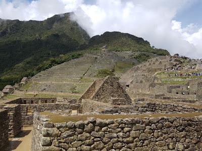Ruinas de la antigua ciudad de Machu Picchu