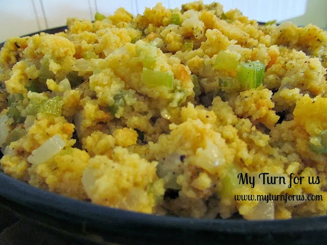 Old Fashioned Cornbread Dressing