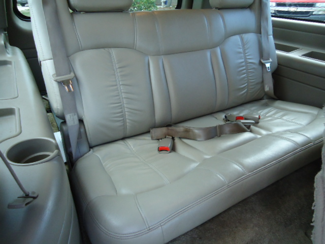 Vehicles With 3rd Row Seating >> Barrett's Classifieds: 2001 Suburban 2500 LT 4x4 $6,000