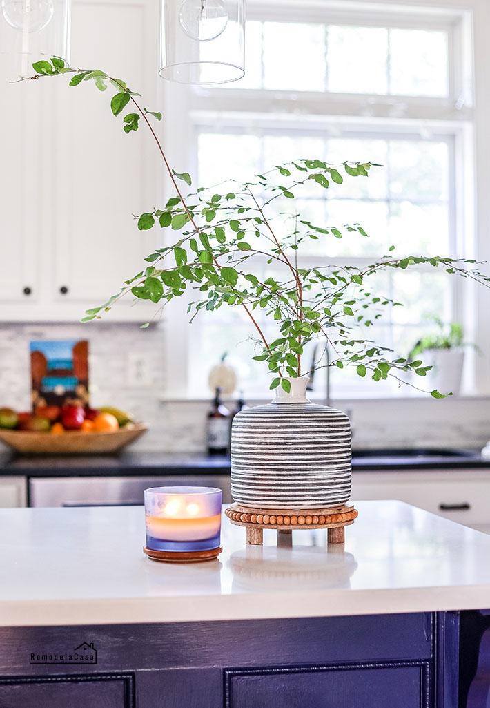 branches - Kitchen island decor