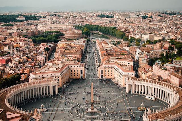 Vaticano sinaliza que Igreja Católica não apoia união civil entre homossexuais