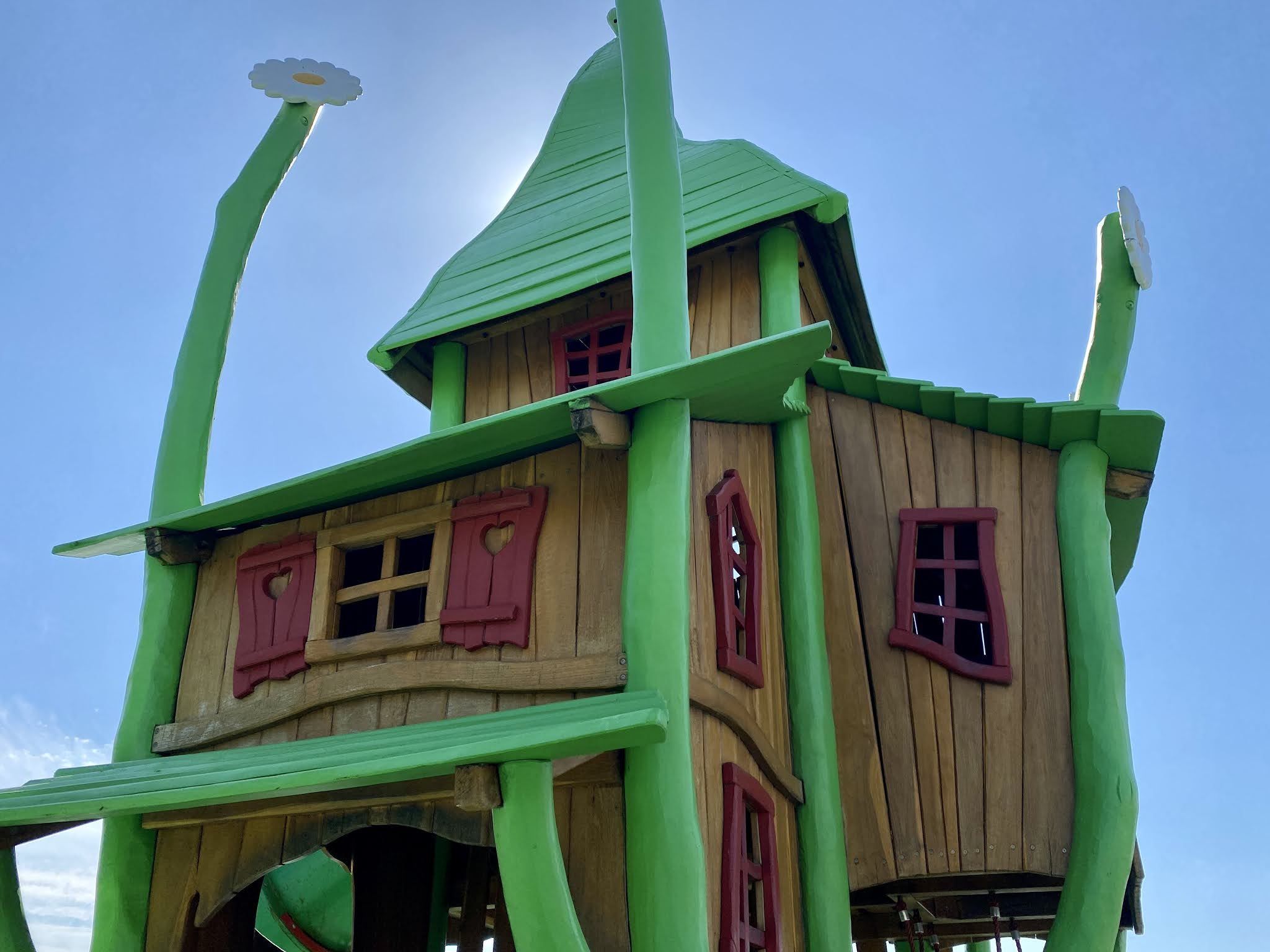 Tree house at the Ice Cream farm