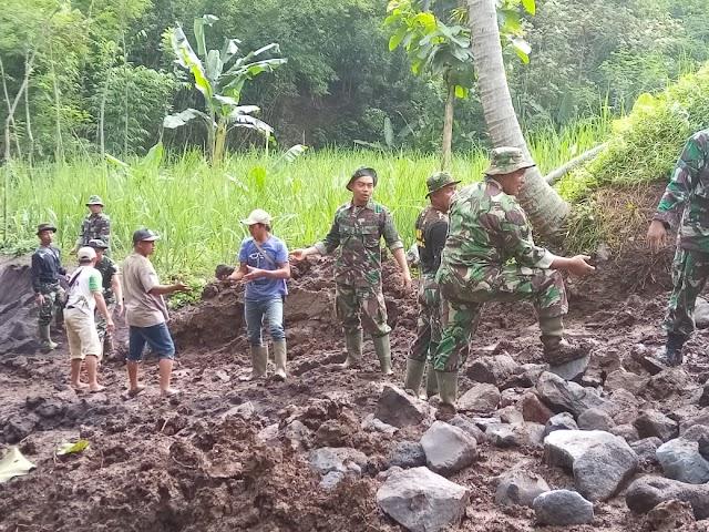 Sukseskan Program TMMD ke-108, TNI Lebih Awal Pasang Pondasi Jalan dan Jembatan