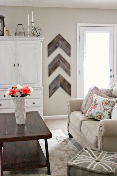WAYS TO DECORATE YOUR SMALL SPACE