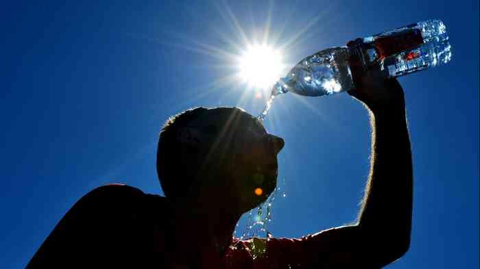 Agression d'un homme buvant de l'eau pendant le ramadan au Maroc.