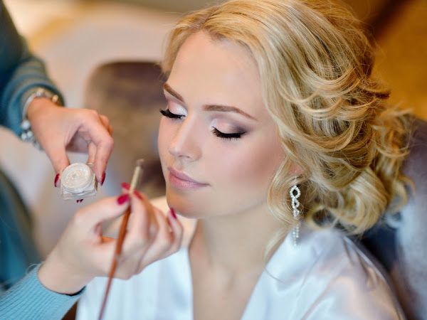 Top 5 Tips for Choosing a Bridal Makeup Artist