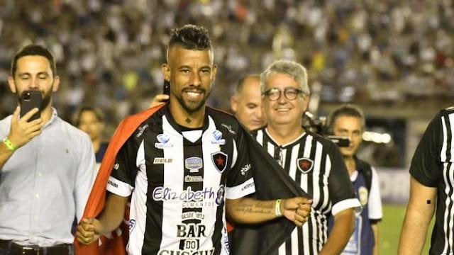 Léo Moura não é mais jogador do Botafogo-PB