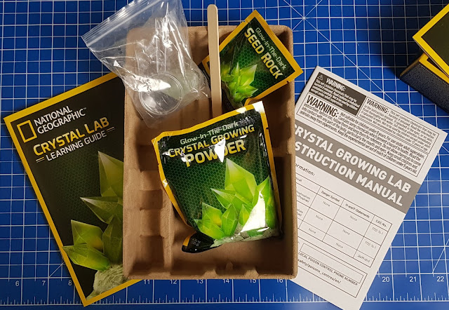 The box contents for the National Geographiv Green crystal growing kit