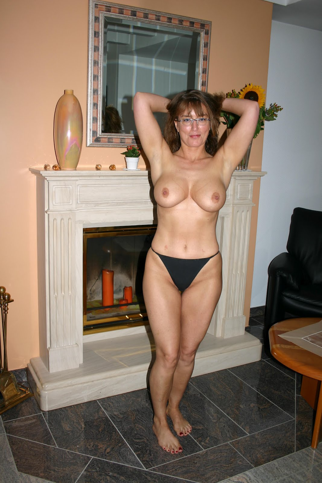 Naked Wife Hot
