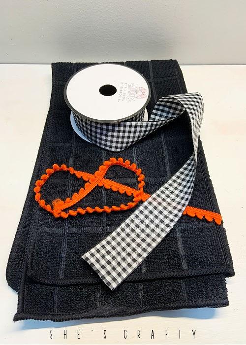 How to make a Halloween Hand Towel