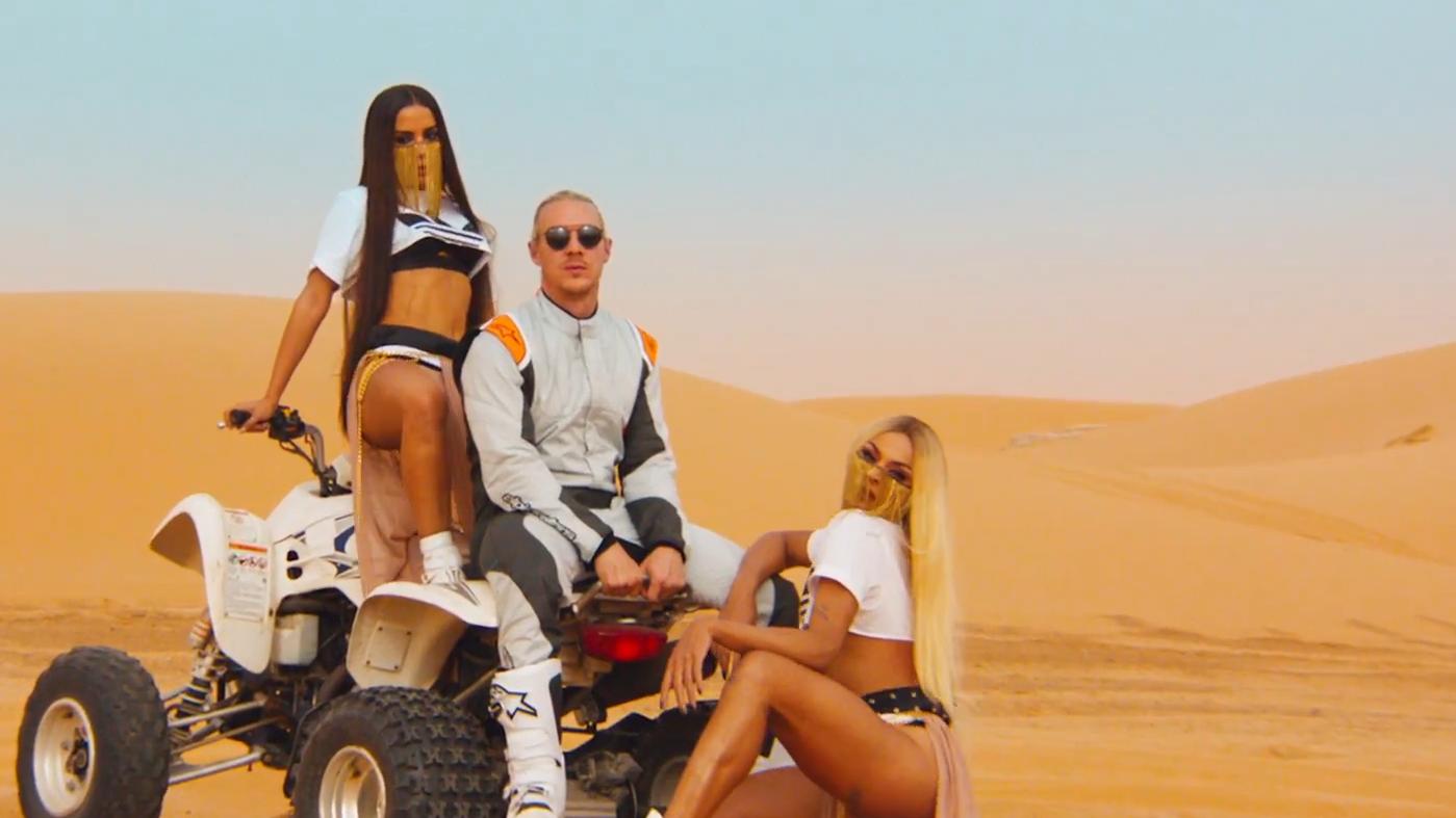 Depois desse clipe, achamos mais do que justo que a MTV Brasil ressuscite o VMB.