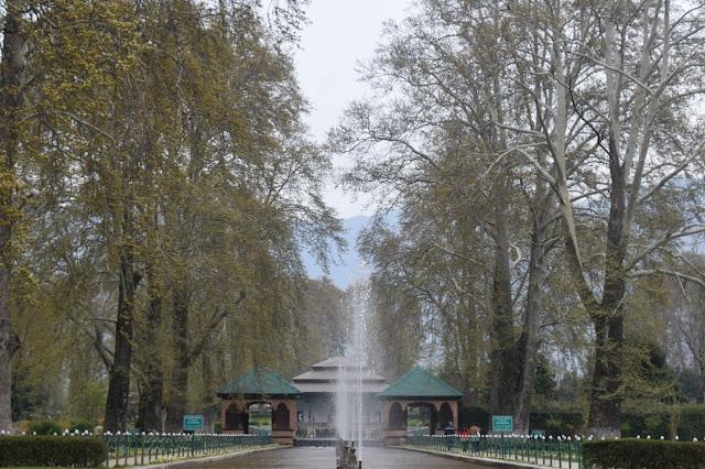 jalan jalan di Srinagar