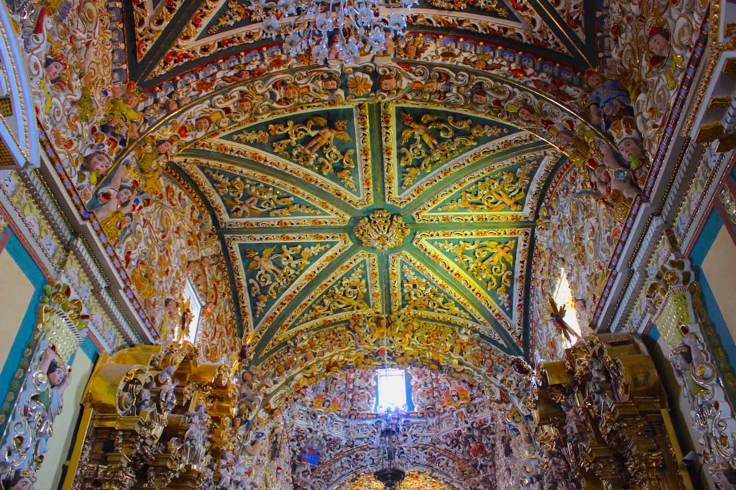 Santa Maria Tonantzintla interior beautiful