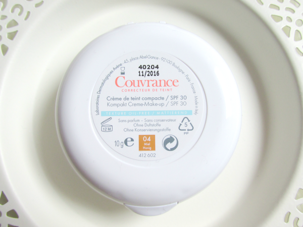 Couvrance Compact Creme Makeup - Haltbarkeit - Review