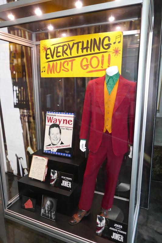 Joaquin Phoenix Joker film costume props