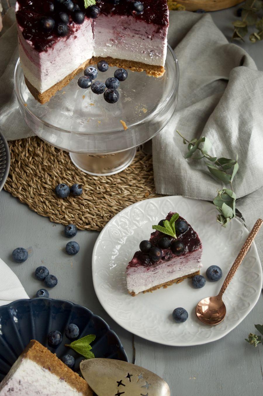 tarta-de-queso-con-mermelada-de-arandanos-sin-horno