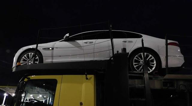 Luxusautó rendőrkézen: Nagykerekinél kapcsolták le a körözött kocsit