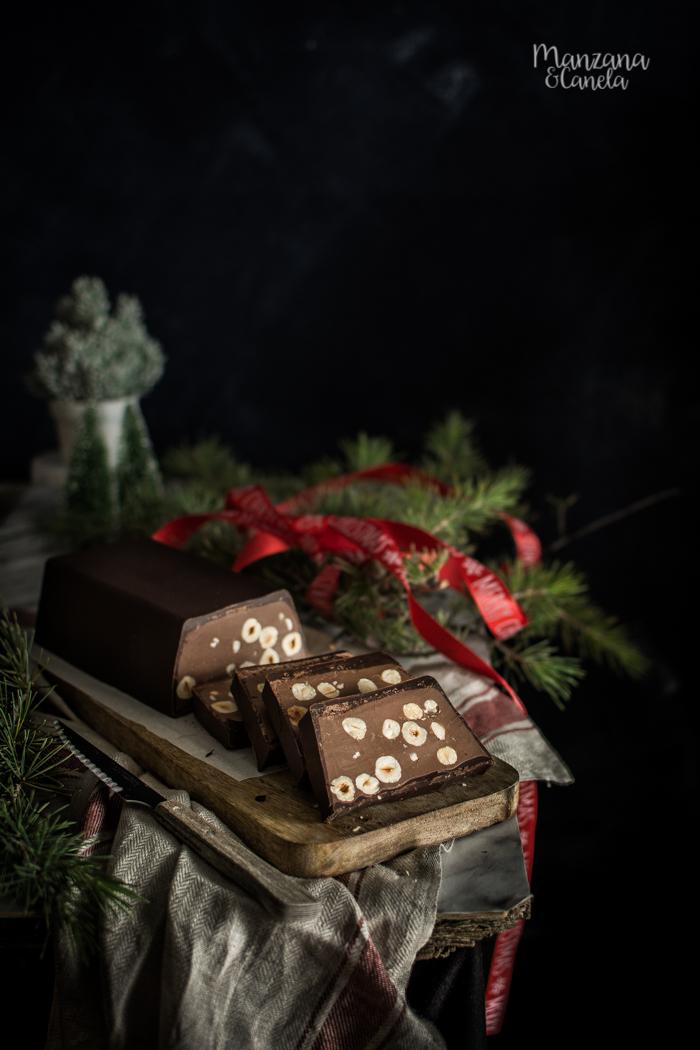 Turrón napolitano de chocolate y avellanas