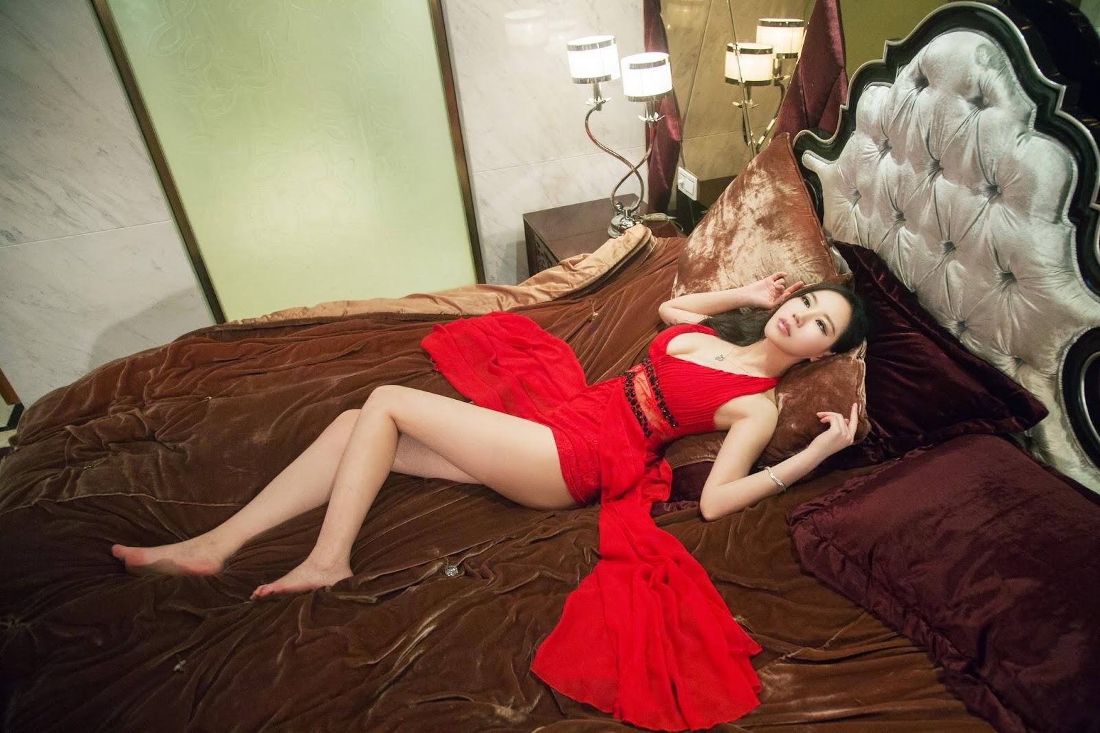 33 - Sexy Nude Model TUIGIRL NO.9
