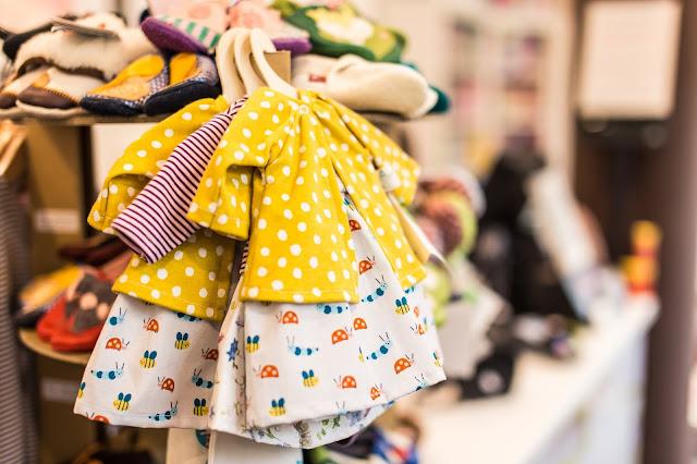 Vestiti per bambini: i sintetici sono dannosi?