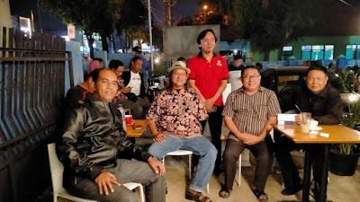 Bidhumas Polda Banten Ikuti Nonton Bareng Final Sepak Bola Bersama Wartawan