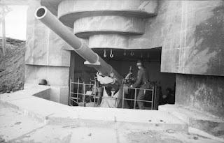 Cañón defensivo alemán en las playas de Normandía